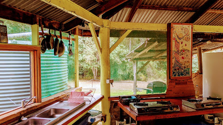 eco-camp-kitchen